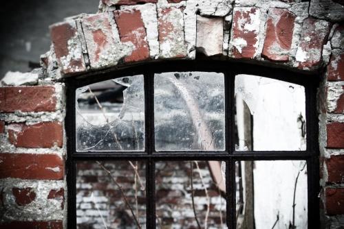 smashed - glass + iron photography